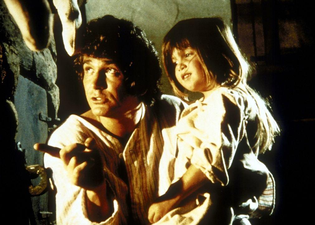 Charles (Michael Landon, l.) erzählt Carrie (Lindsay Sidney Greenbush, r.) eine Weihnachtsgeschichte. - Bildquelle: Worldvision