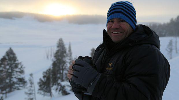 Im Yellowstone National Park bestaunt Steve Backshall die Schönheit der Natur...