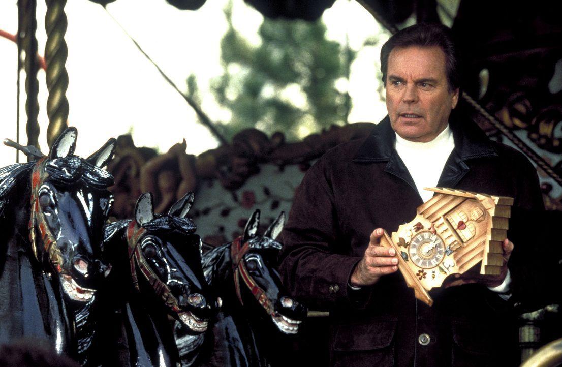 Anfangs weiß Jonathan Hart (Robert Wagner) nicht so recht, was es mit dem seltsamen Geschenk des verstorbenen Max auf sich hat ... - Bildquelle: Columbia Pictures