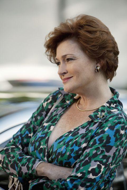 Ist auf Jules neidisch: Barb (Carolyn Hennesy) ... - Bildquelle: 2009 ABC INC.
