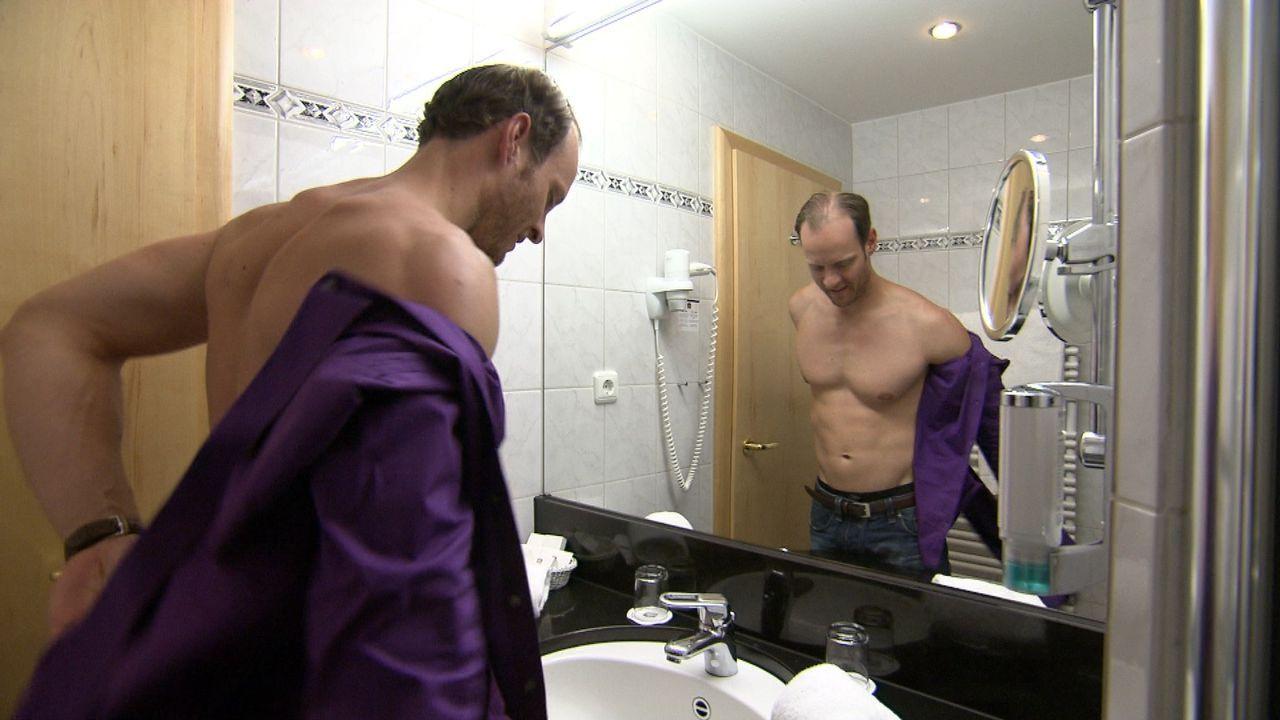 Über ein Dating-Portal hat Stefan sich mit einer Fremden Frau im Hotel verabredet ... - Bildquelle: SAT.1