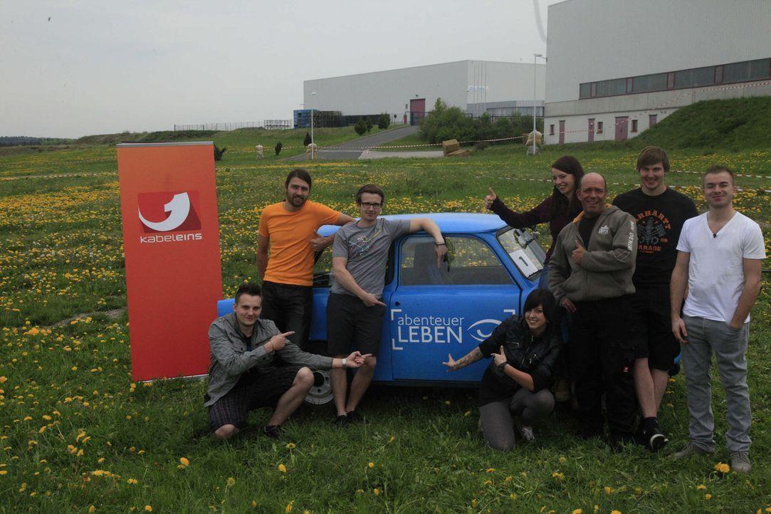 """""""Abenteuer Leben"""" schickt ein eigenes Team zum größten Trabantrennen der Welt ... - Bildquelle: kabel eins"""