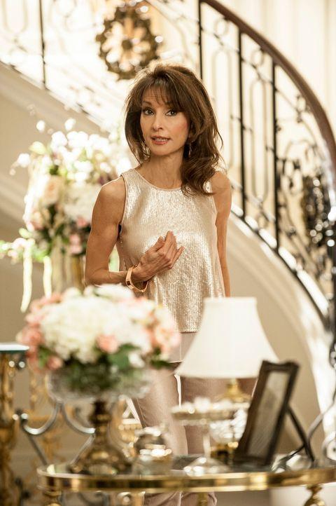Carmen wird eifersüchtig, als Sam beginnt, mit anderen Frauen auszugehen, während Genevieve (Susan Lucci) Pläne schmiedet, wie sie wieder an Geld ko... - Bildquelle: ABC Studios