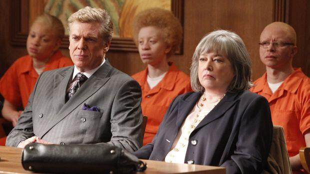 Harry's Law - Vertreten eine Gruppe von Albinos um sie vor der Abschiebung na...