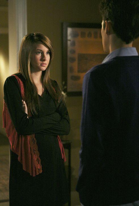 Ben (Ken Baumann, r.) sagt Amy (Shailene Woodley , l.), dass er bei dem bevorstehenden Gespräch mit Ricky gerne dabei sein möchte ... - Bildquelle: 2008 DISNEY ENTERPRISES, INC. All rights reserved. NO ARCHIVING. NO RESALE.