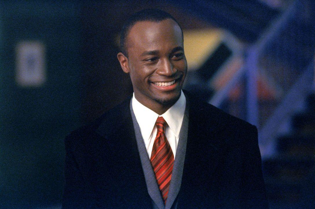 Als Jackson Duper (Taye Diggs) in der Kanzlei auftaucht, gerät Richard plötzlich ins Grübeln ... - Bildquelle: 2001 Twentieth Century Fox Film Corporation. All rights reserved.