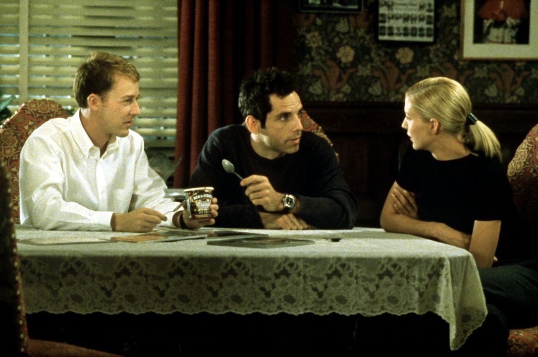 Die überaus emanzipierte Anna (Jenna Elfman, r.) übt eine faszinierende Wirkung auf die beiden Gottesmänner Brian (Edward Norton, r.) und Jake (B... - Bildquelle: SPYGLASS ENTERTAINMENT GROUP, LP