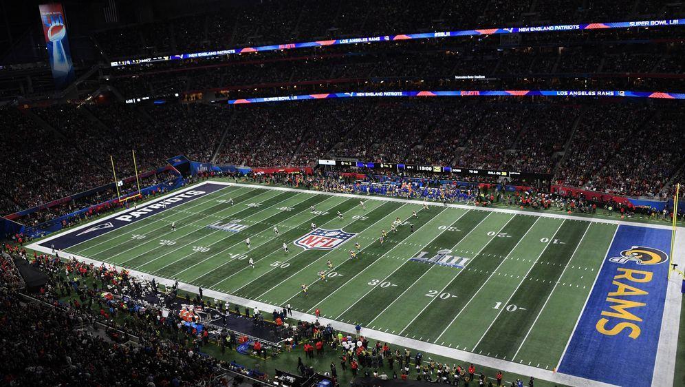 117.400 Bier wurden beim Super Bowl getrunken. - Bildquelle: imago/UPI Photo