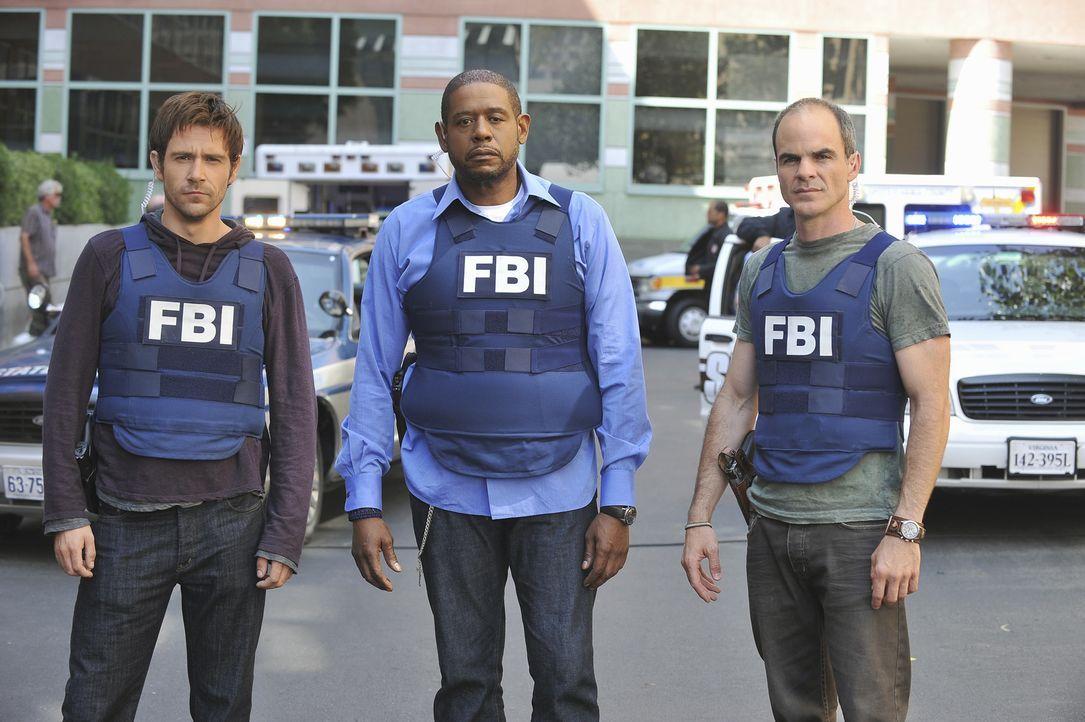 Für Mick (Matt Ryan, l.), Sam (Forest Whitaker, M.) und John (Michael Kelly, r.), beginnt ein Wettlauf mit der Zeit um einen Täter zu stoppen, bevor... - Bildquelle: ABC Studios