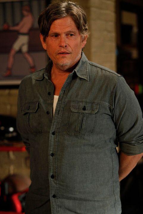 Warum versuchen Schmidt, Nick und Winston alles, damit der Vermieter Remy (Jeff Kober) nicht in der WG vorbeikommt? - Bildquelle: 20th Century Fox
