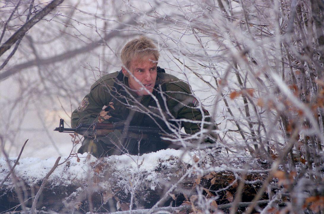 Die lediglich beobachtende Mission seiner Delegation sagt Lieutenant Chris Burnett (Owen Wilson) gar nicht zu, doch ehe er sich versieht findet er s... - Bildquelle: 2001 Twentieth Century Fox Film Corporation.  All rights reserved.
