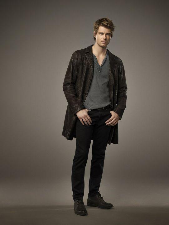 (1. Staffel) - Eigentlich orientiert sich John Young (Luke Mitchell) an den altbewährten Regeln, doch ein neues Mitglied bei den Tomorrow People sor... - Bildquelle: Warner Bros. Entertainment, Inc.