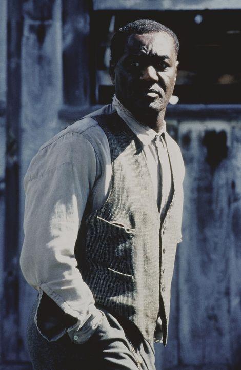 Der zuverlässige Mr. Rose (Delroy Lindo) ist Arbeiter auf einer Farm. Dort genießt er gewisse Prioritäten aufgrund seiner vertrauenswürdigen Art... - Bildquelle: Kinowelt Filmverleih