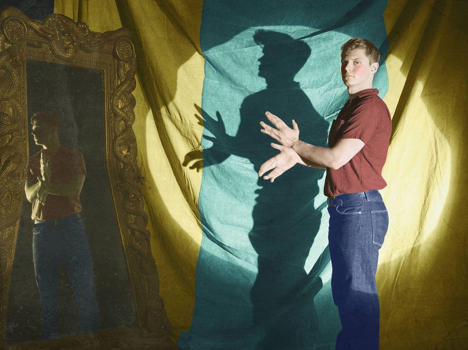 (4. Staffel) - Sein ganzes bisheriges Leben ist von der Inszenierung und der Show geprägt, denn die Missbildung seiner Hände macht Jimmy Darling (Ev... - Bildquelle: Frank Ockenfels 2014, FX Network. All rights reserved.