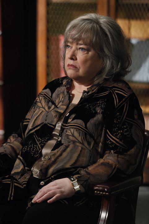 Ein neuer Fall wartet auf Harriet (Kathy Bates) ... - Bildquelle: Warner Bros. Television