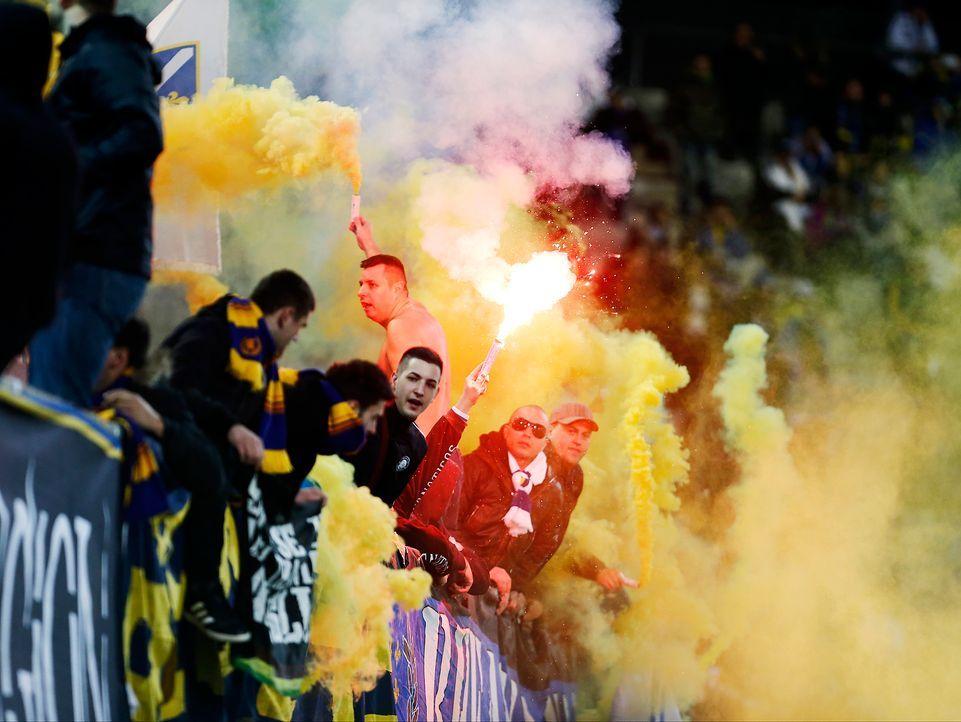 Fussball-Fans-Bosnien-Herzegowina-140305-AFP - Bildquelle: AFP
