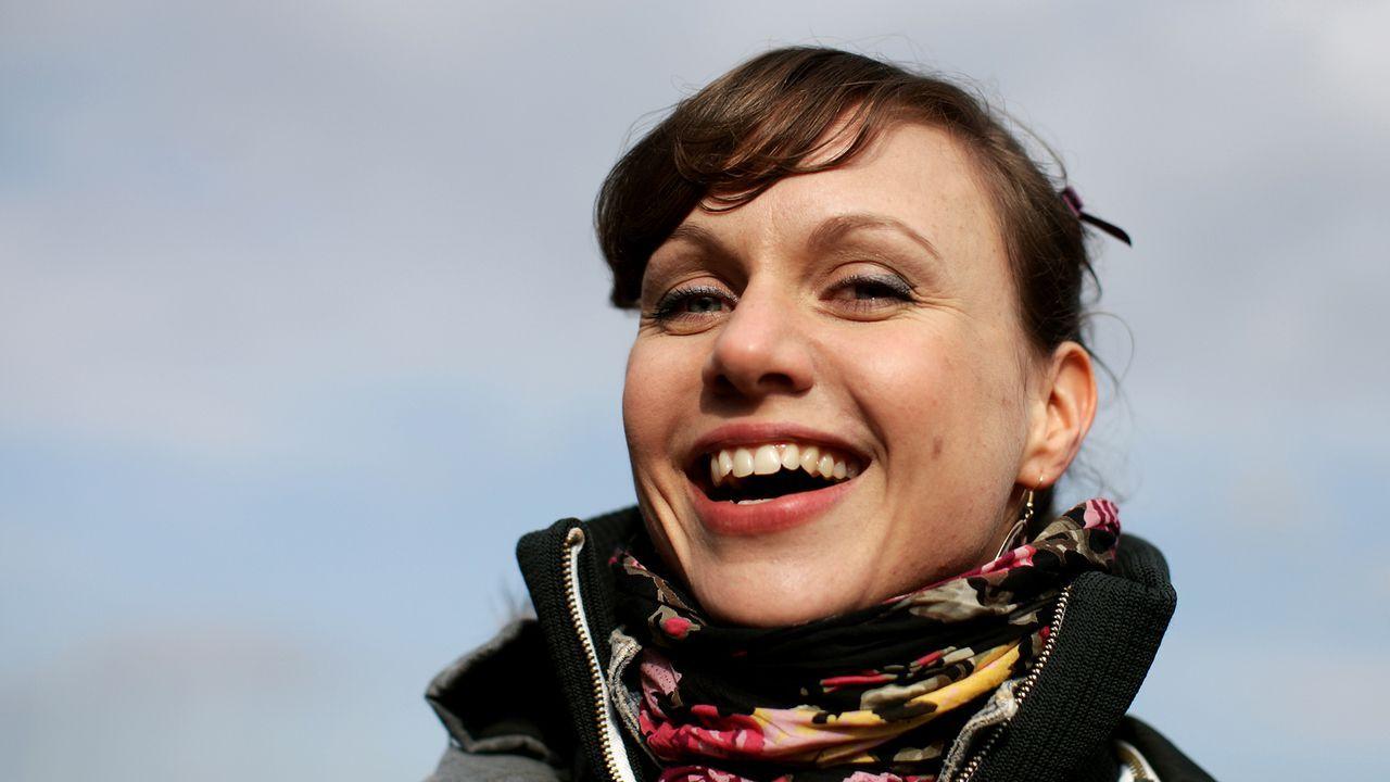 nadja-becker-11-02-16-lacht-dpa - Bildquelle: dpa