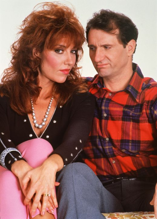 "(3. Staffel) - Ein ""Herz und eine Seele?: Al (Ed O'Neill, r.) und Peggy Bundy (Katey Sagal, l.) - Bildquelle: Sony Pictures Television International. All Rights Reserved."