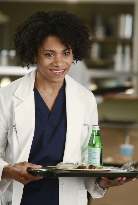 Maggie (Kelly McCreary) fällt es schwer, einen positiven Eindruck im Krankenhaus zu hinterlassen und scheint in jedes noch so kleine Fettnäpfchen zu... - Bildquelle: ABC Studios