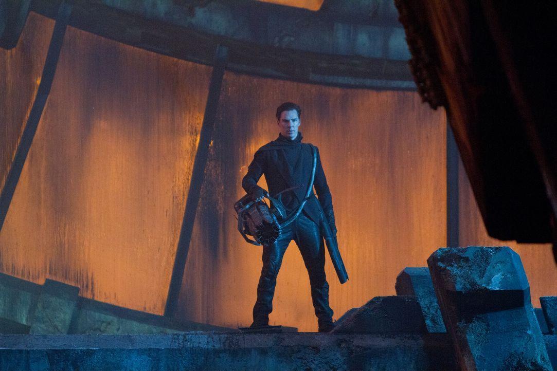 Noch ahnt die Crew der Enterprise nicht, dass der intelligente Bösewicht Khan (Benedict Cumberbatch) seine Leute in den 72 Torpedos versteckt hat, d... - Bildquelle: Zade Rosenthal 2013 Paramount Pictures.  All Rights Reserved.
