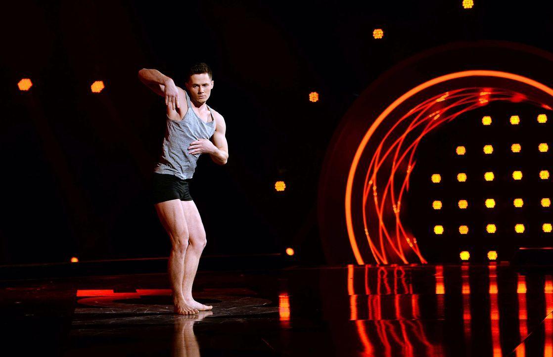 Got-To-Dance-Sergey-01-SAT1-ProSieben-Willi-Weber - Bildquelle: SAT.1/ProSieben/Willi Weber