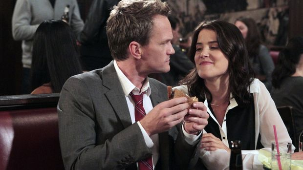 Robin (Cobie Smulders, r.) ist entschlossen, Barney (Neil Patrick Harris, l.)...