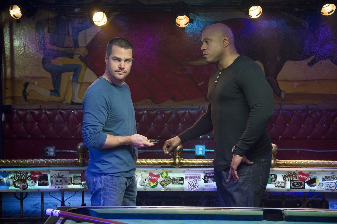 Wer ist der Mörder des Konsuls - und was hat Ex-Profikiller Tuhon mit dem Fall zu tun? Callen (Chris O'Donnell, l.) und Sam (LL Cool J, r.) sind in... - Bildquelle: CBS Studios Inc. All Rights Reserved.