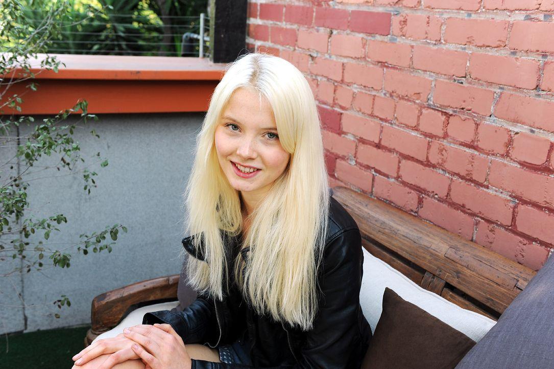 GNTM-Stf10-Epi13-Gilette-Venus-Casting-05-Katharina-ProSieben-Micah-Smith - Bildquelle: ProSieben/Micah Smith