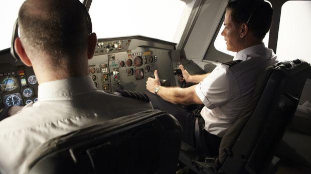 Auf ihrem Flug von Denver nach Philadelphia explodiert eines der drei Triebwe...