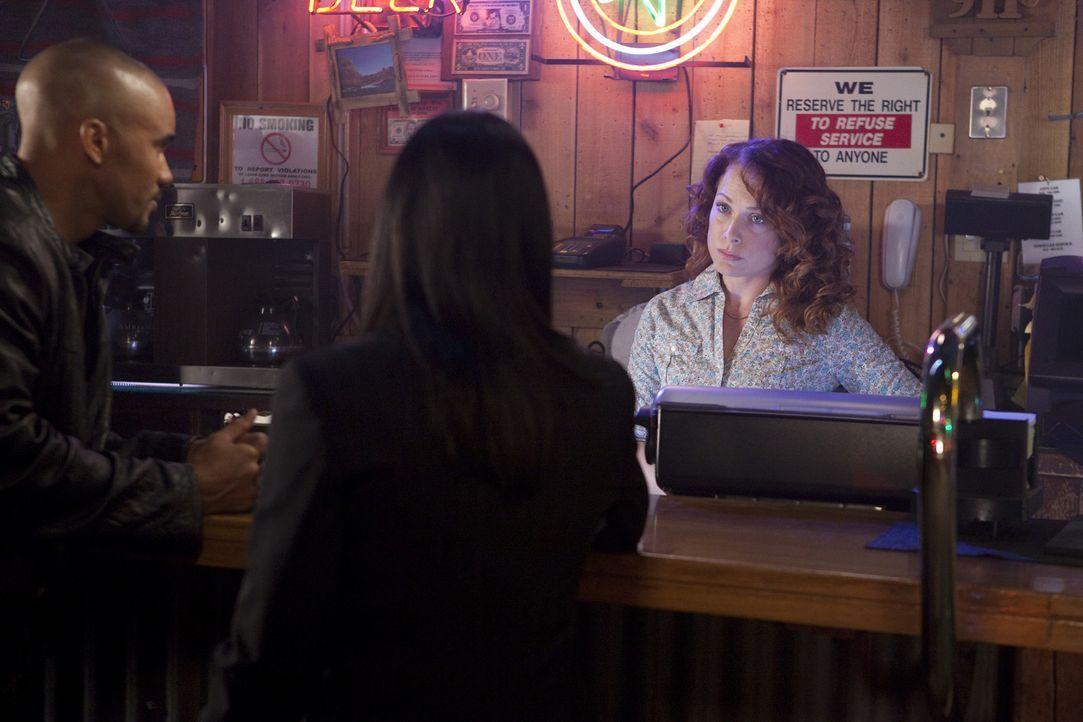 Um einen Trucker zu stoppen, der immer Frauen kidnappt um sich dann an ihnen zu vergehen, erhoffen sich Derek (Shemar Moore, l.) und Prentiss (Paget... - Bildquelle: Touchstone Television