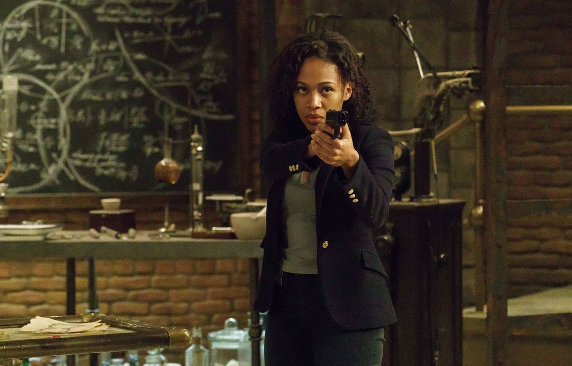 Wie lange kann Abbie (Nicole Beharie) noch verheimlichen, das etwas mit ihr ganz und gar nicht stimmt? - Bildquelle: 2015-2016 Fox and its related entities.  All rights reserved.