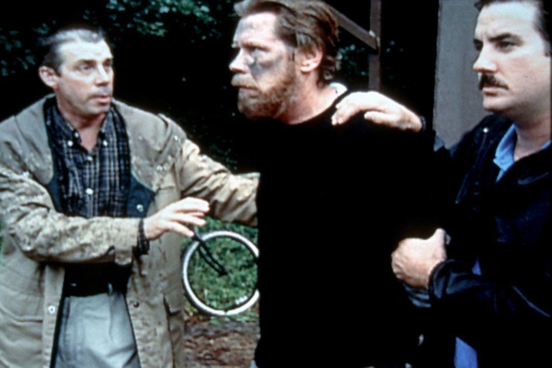 Bevor Ted Kaczynski (M.) geschnappt werden konnte, verschickte er über 18 Jahre hinweg Briefbomben, vornehmlich an Universitätsprofessoren und Vorst... - Bildquelle: Randy Jacobson New Dominion Pictures, LLC