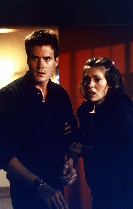 Andy (T. W. King, l.) versucht, Phoebe (Alyssa Milano, r.) zu beschützen ... - Bildquelle: Paramount Pictures