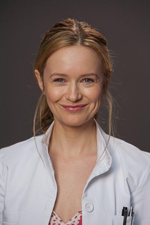 (1. Staffel) - Die sozial sehr engagierte Ärztin Dr. Nina Hansen (Stefanie Stappenbeck) muss sie sich wohl oder übel mit dem profitorientierten Davi... - Bildquelle: Conny Klein SAT.1