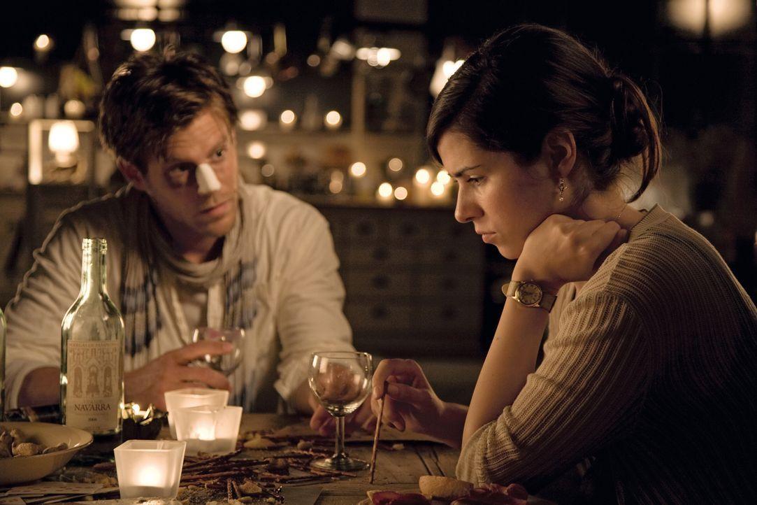 Zwei Jahre sind vergangen seit sich Ludo und Anna (Nora Tschirner, r.) verliebt haben. Jetzt ist der Alltag da und auch alles Unschöne. Als dann auc... - Bildquelle: 2009 Warner Bros. Entertainment