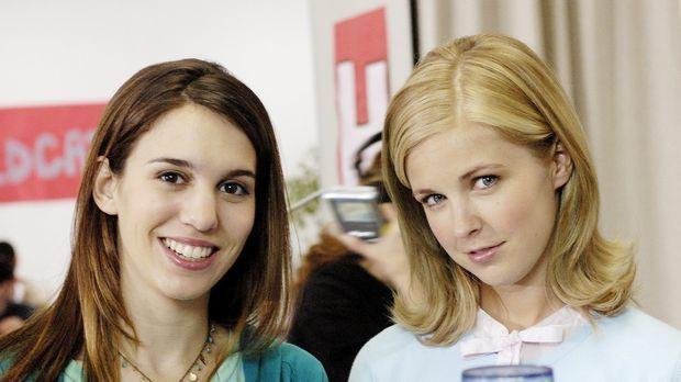 Mit ihren Freunden Cornelia (Keri Lynn Pratt, r.) und Mokhtar macht sich Viol...