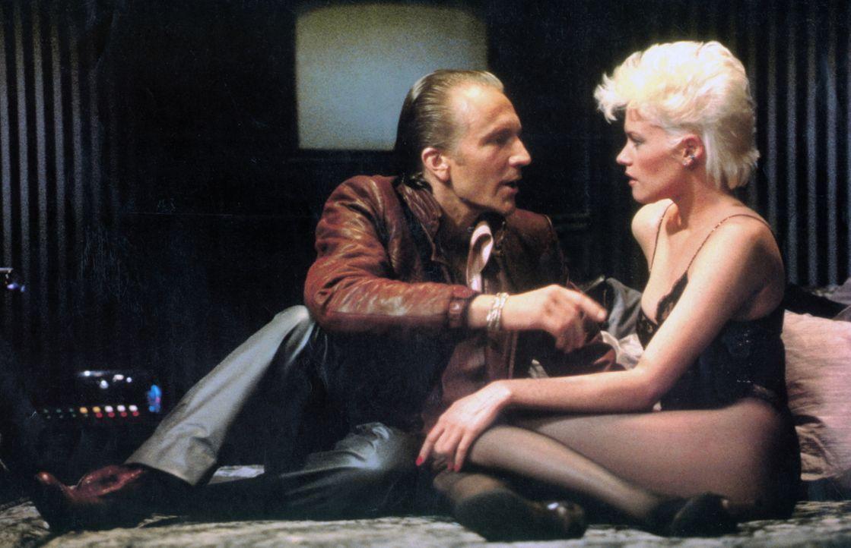 Mit Hollys (Melanie Griffith, r.) Hilfe kommt Jake (Craig Wasson, l.) einer perfiden Intrige auf die Spur ... - Bildquelle: Columbia Pictures