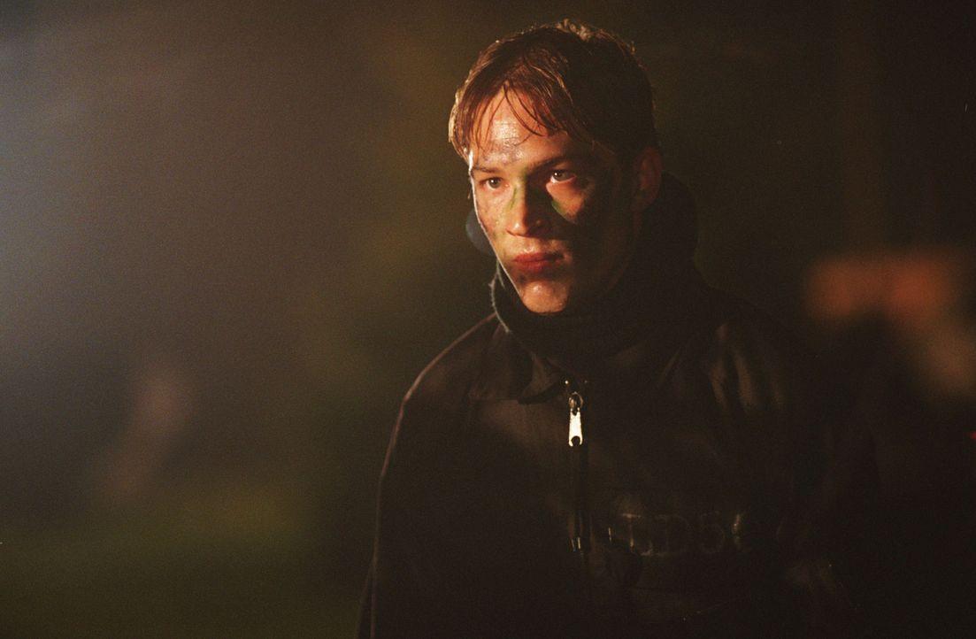 Das Grauen lauert überall: Matt (Tom Hardy) ... - Bildquelle: Buena Vista International