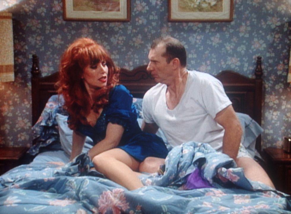 Sex mit der eigenen Frau (Katey Sagal, l.)? Al (Ed O'Neill, r.) findet das pervers. - Bildquelle: Sony Pictures Television International. All Rights Reserved.