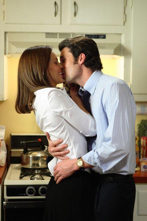 Scott (Patrick Dempsey, r.) beglückwünscht sein Freundin Erin Gruwell (Hilary Swank, l.) zu ihrem ersten Lehrauftrag. Keiner von beiden ahnt, dass... - Bildquelle: Paramount Pictures