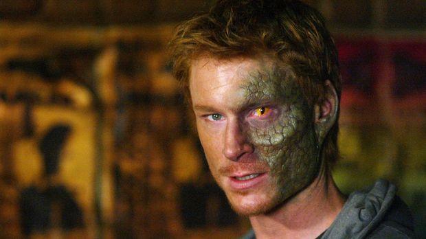 Der Halbdämon Sirk (Zack Ward) will unbedingt ein vollwertiger Dämon werden u...