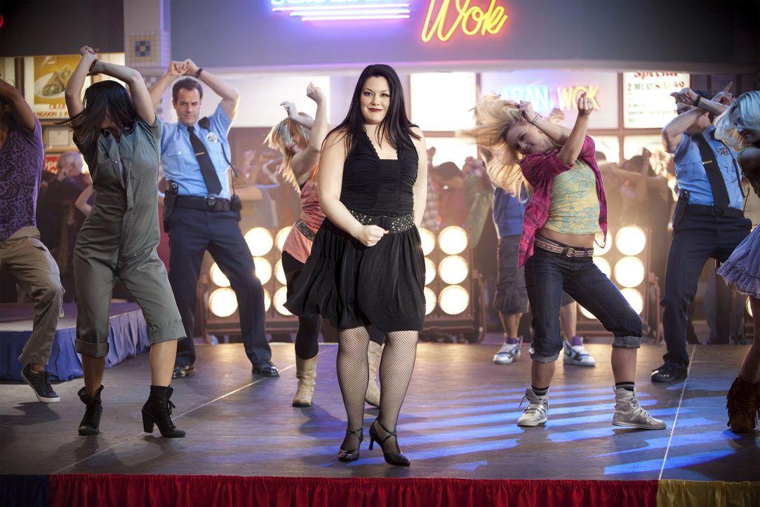 Träumt davon, ein großer Musicalstar zu sein: Jane (Brooke Elliott) ... - Bildquelle: 2009 Sony Pictures Television Inc. All Rights Reserved.
