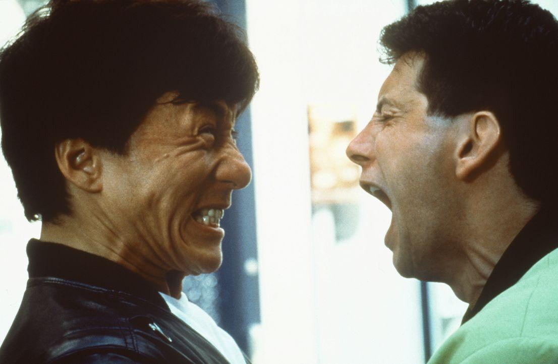 Setzt sich zur Wehr: Whoami (Jackie Chan, r.) kennt keine Gnade ... - Bildquelle: Columbia TriStar Film