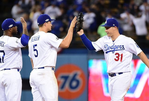 Die Los Angeles Dodgers schlagen die Chicago Cubs