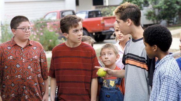 Als Reese (Justin Berfield, 2.v.r.) sich ein neues Spiel ausdenkt, müssen Dew...