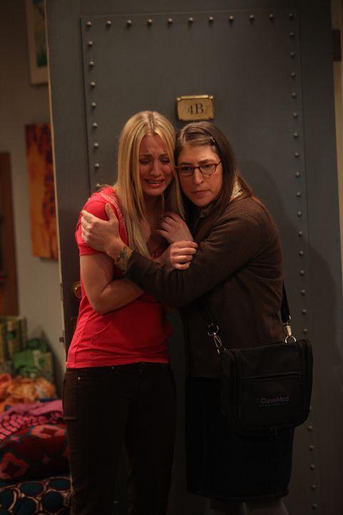 Leonard erfährt, dass Priya wieder in der Stadt ist. Obwohl Raj seiner Schwester den Umgang mit Leonard verboten hat, wollen die zwei eine Beziehung... - Bildquelle: Warner Bros. Television
