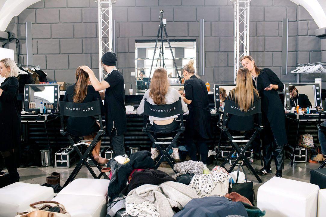 GNTM-Stf11-Epi01-erste-fashion-show-33-ProSieben-Hobmaier - Bildquelle: ProSieben/Stefan Hobmaier