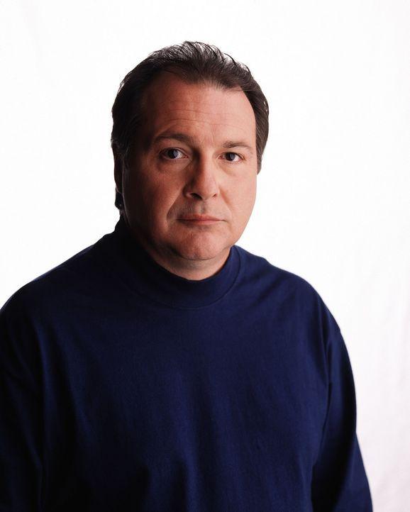 Im Wettlauf mit der Zeit versuchen Dr. Cyrus Lebow (Kevin Dunn) und die anderen Spezialisten, den Grund für den tödlichen Absturz herauszufinden ... - Bildquelle: Touchstone Television