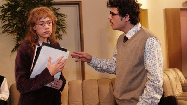 Lisa (Alexandra Neldel, l.) fühlt sich von dem selbstbewussten Rokko (Manuel...
