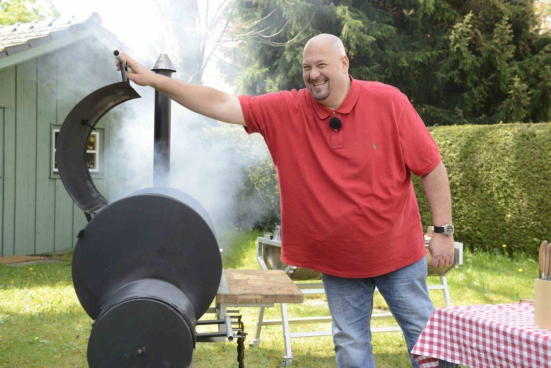 Jumbo Schreiner zeigt, wie auch Männer einfach kochen - mit genialen Hilfsmitteln und edlen Zutaten ... - Bildquelle: Walter Wehner ProSieben MAXX